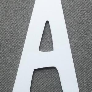 Découpe lettre enseigne plastique PVC DOM
