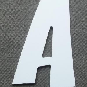 Découpe lettre enseigne plastique PVC ZOINKS