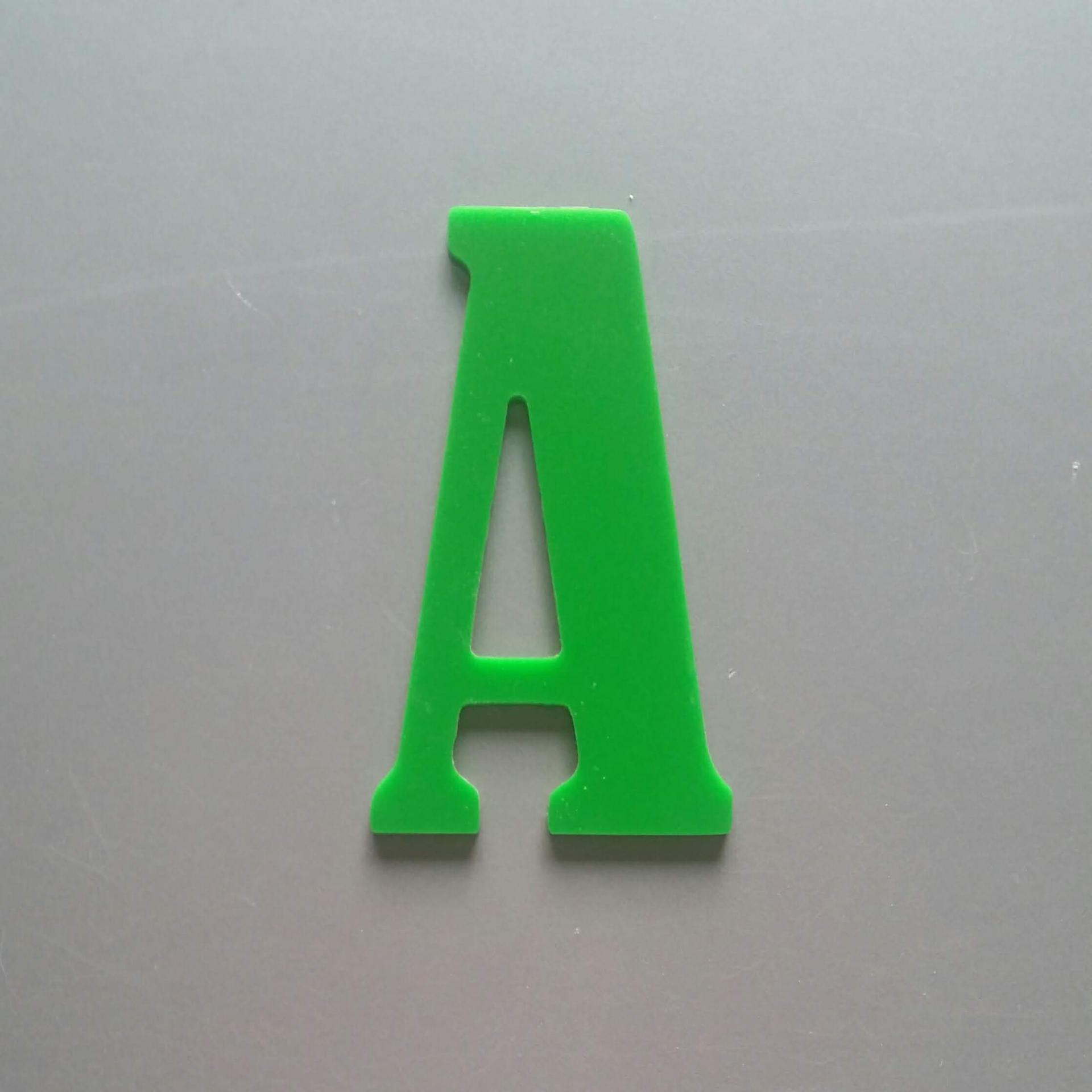 Lettre plexi bernard condensed
