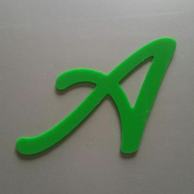 Lettre plexi modèle LOMBRIZ