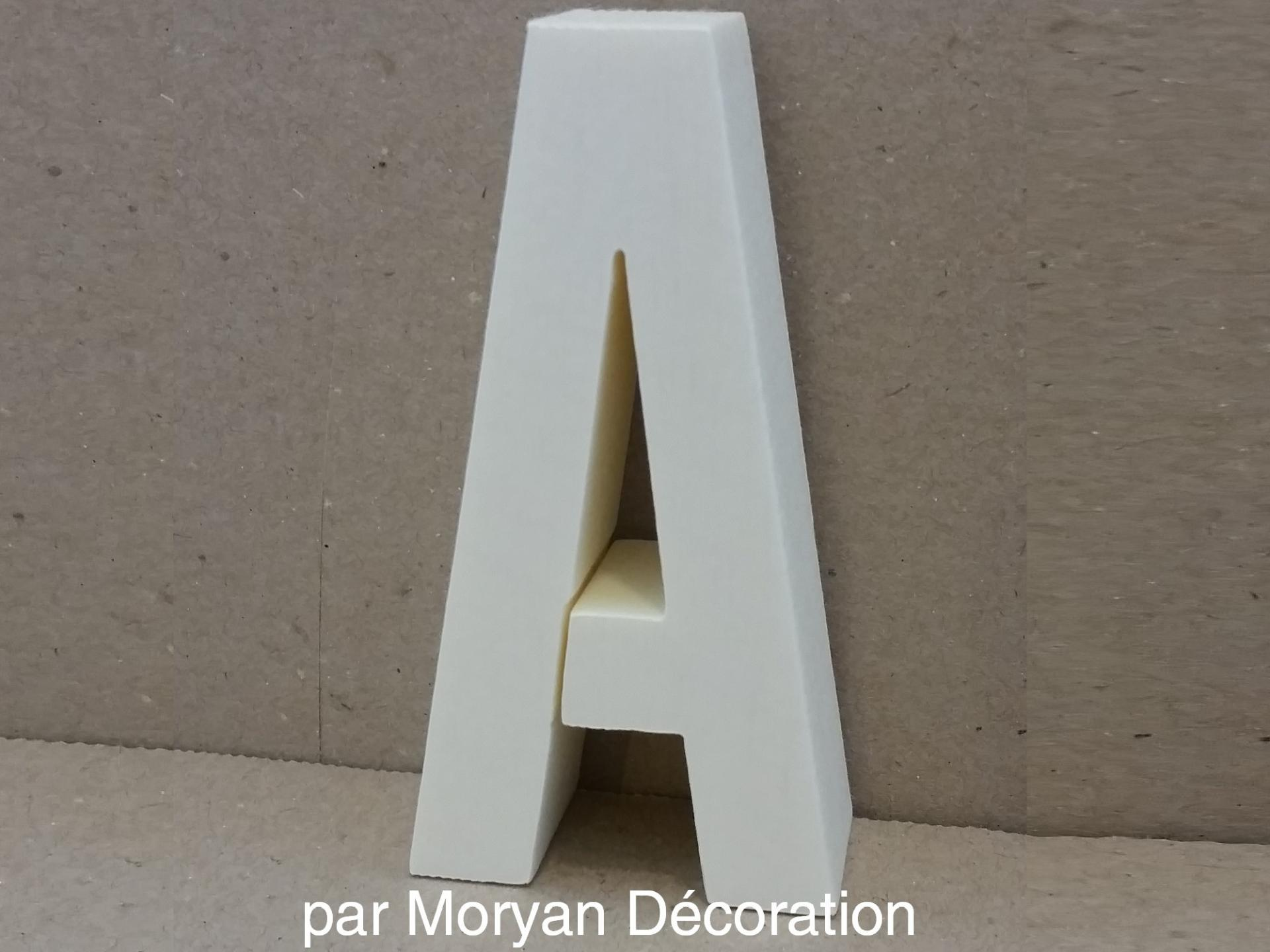 Lettre polystyrene decorative murale alternate gothic