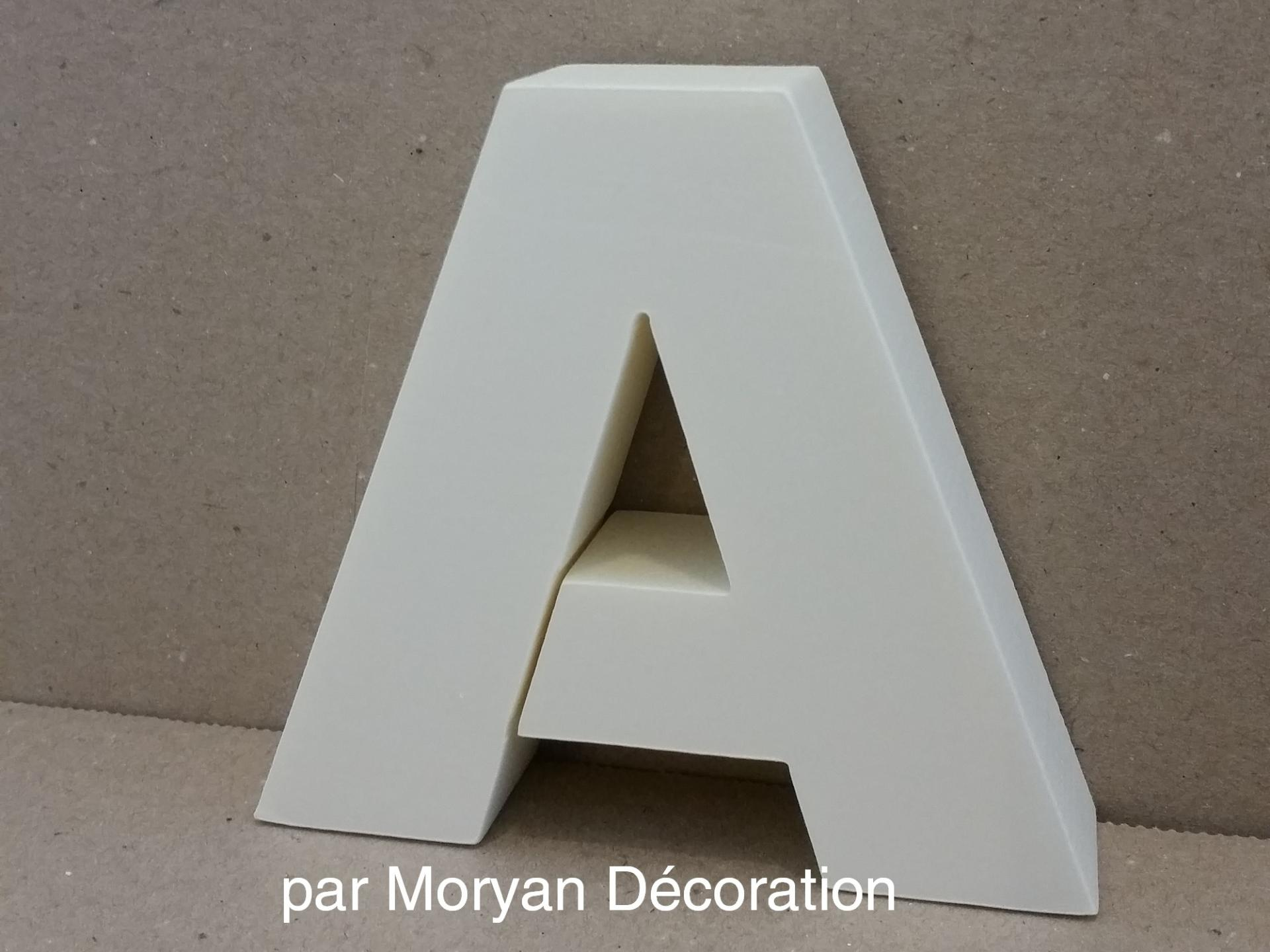 Lettre polystyrene decorative murale arial black