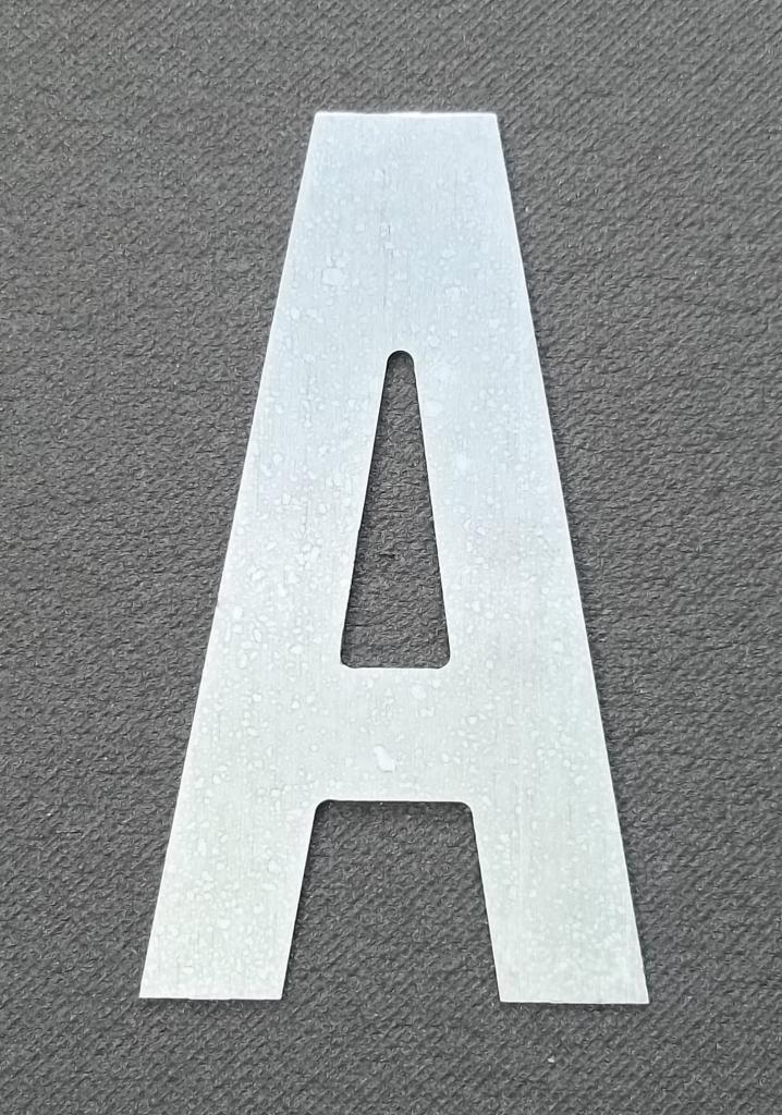lettre-zinc-alternate-gothic.jpg