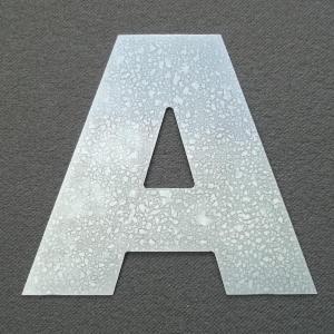 lettre-zinc-arial-black.jpg