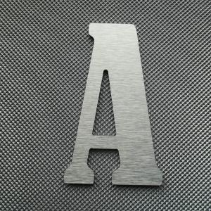 Découpe lettre enseigne alu dibond bernard condensed