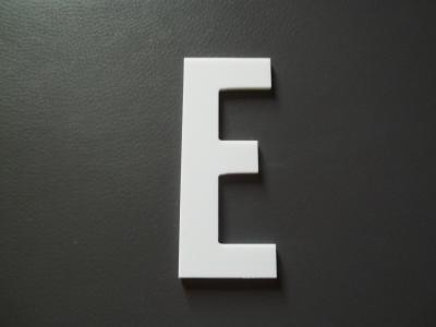 Lettre prénom PVC E