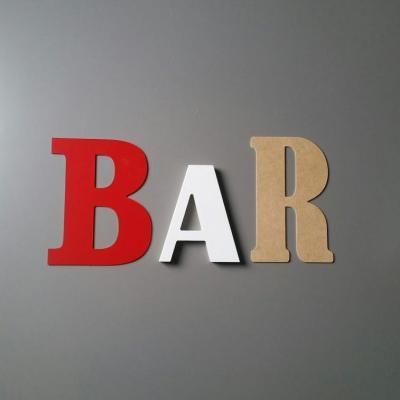 Lettres décoratives Bar