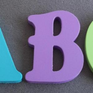lettres-decoratives-bois-couleur-belshaw.jpg