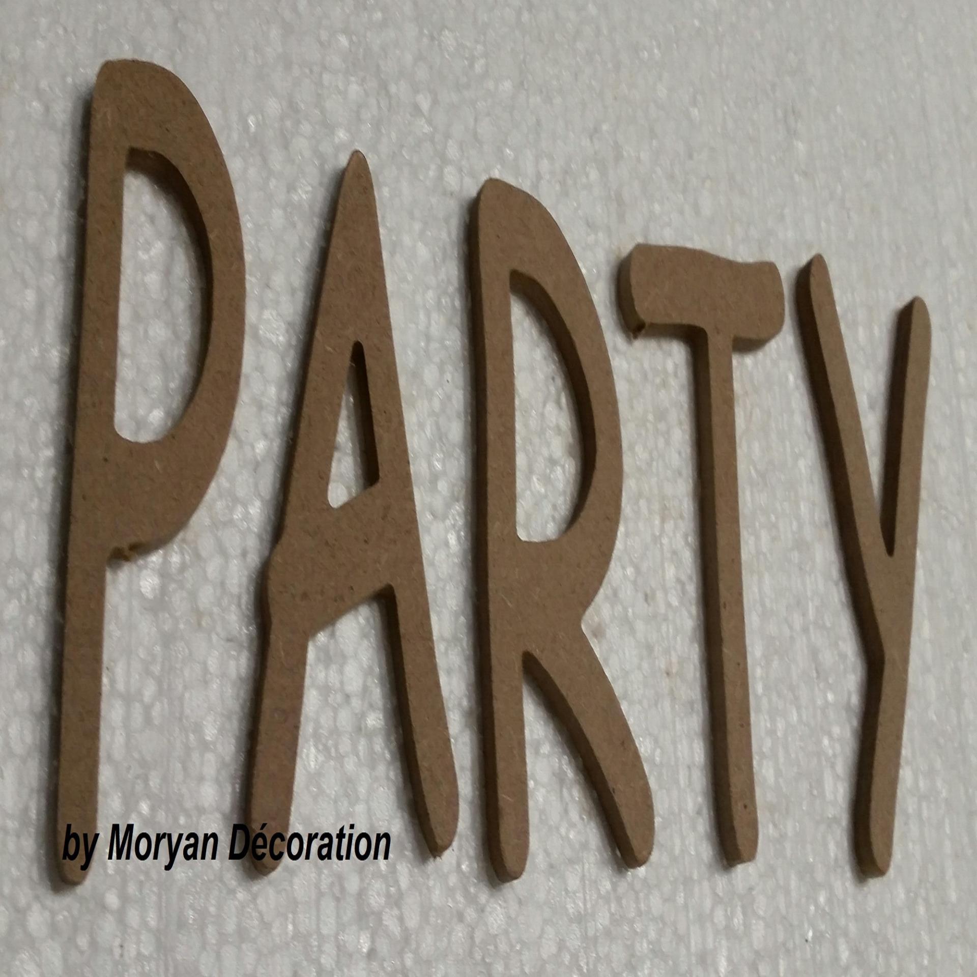 Lettres decoratives en bois a peindre ou a decorer party