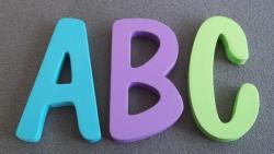 Lettres découpées couleur DOM CASUAL