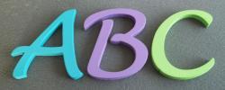 Lettres en bois couleur LUCIDA HANDWRITING