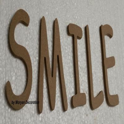 Lettres en bois SMILE , hauteur 40 cm