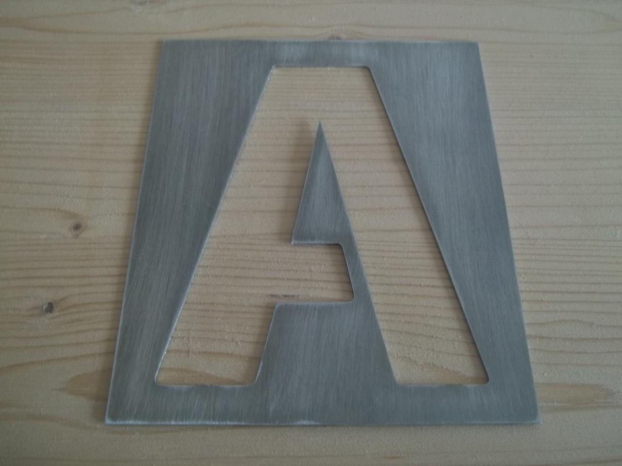 pochoir lettre en metal alphabet et chiffre GUNPLAY