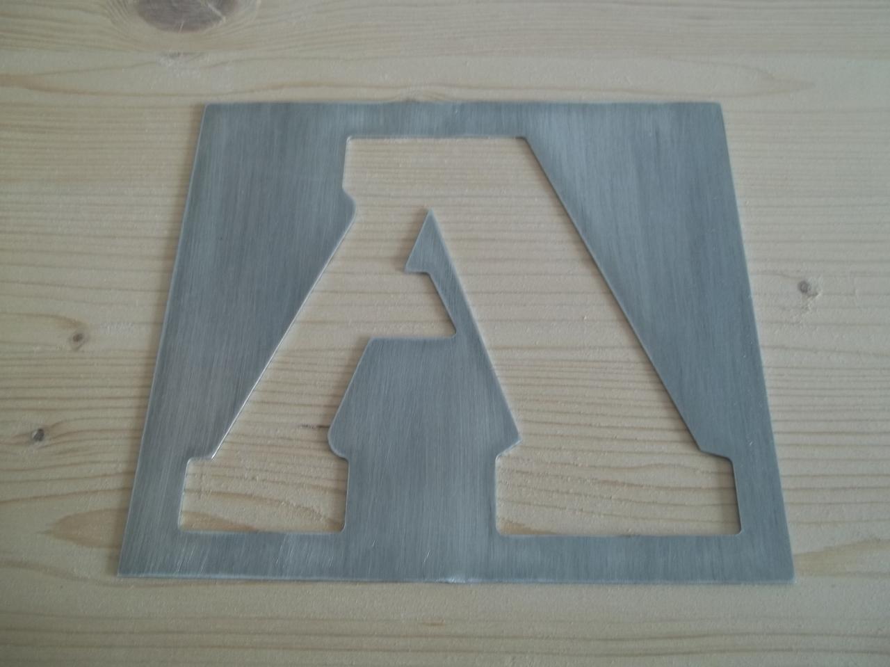 pochoir lettre en metal alphabet et chiffre STENCIL EXPORT
