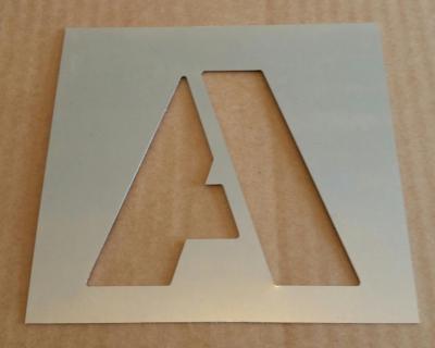 Pochoir lettre métal modèle ARIAL BLACK