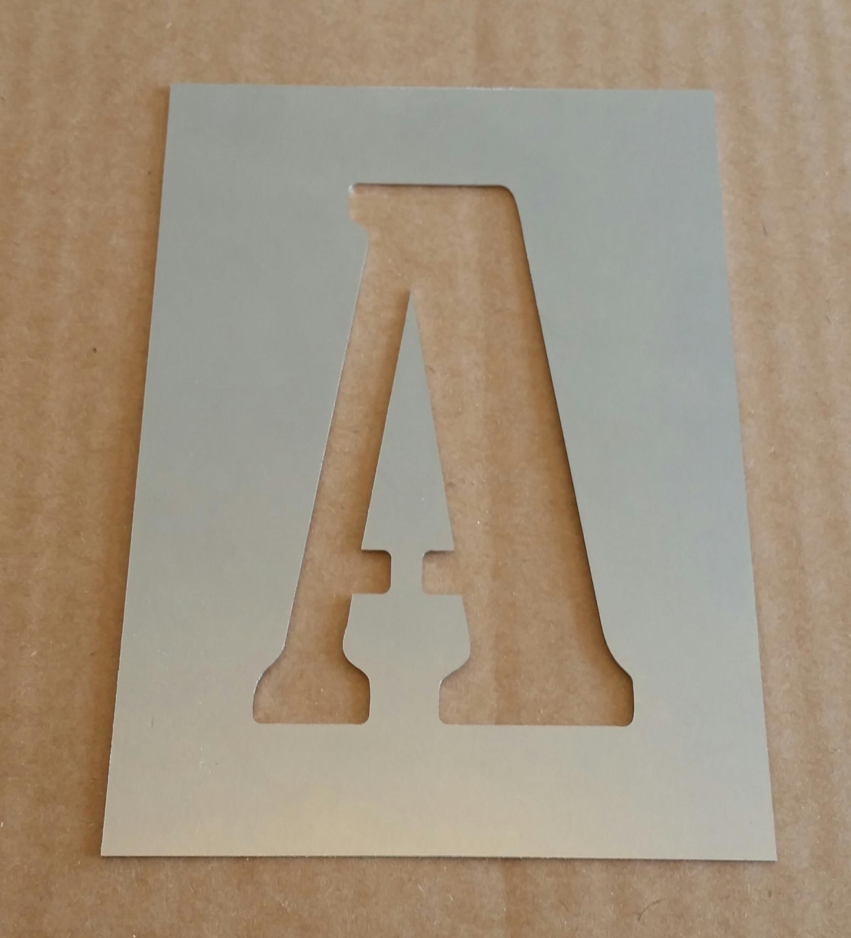 Pochoir lettre metal bernard condensed