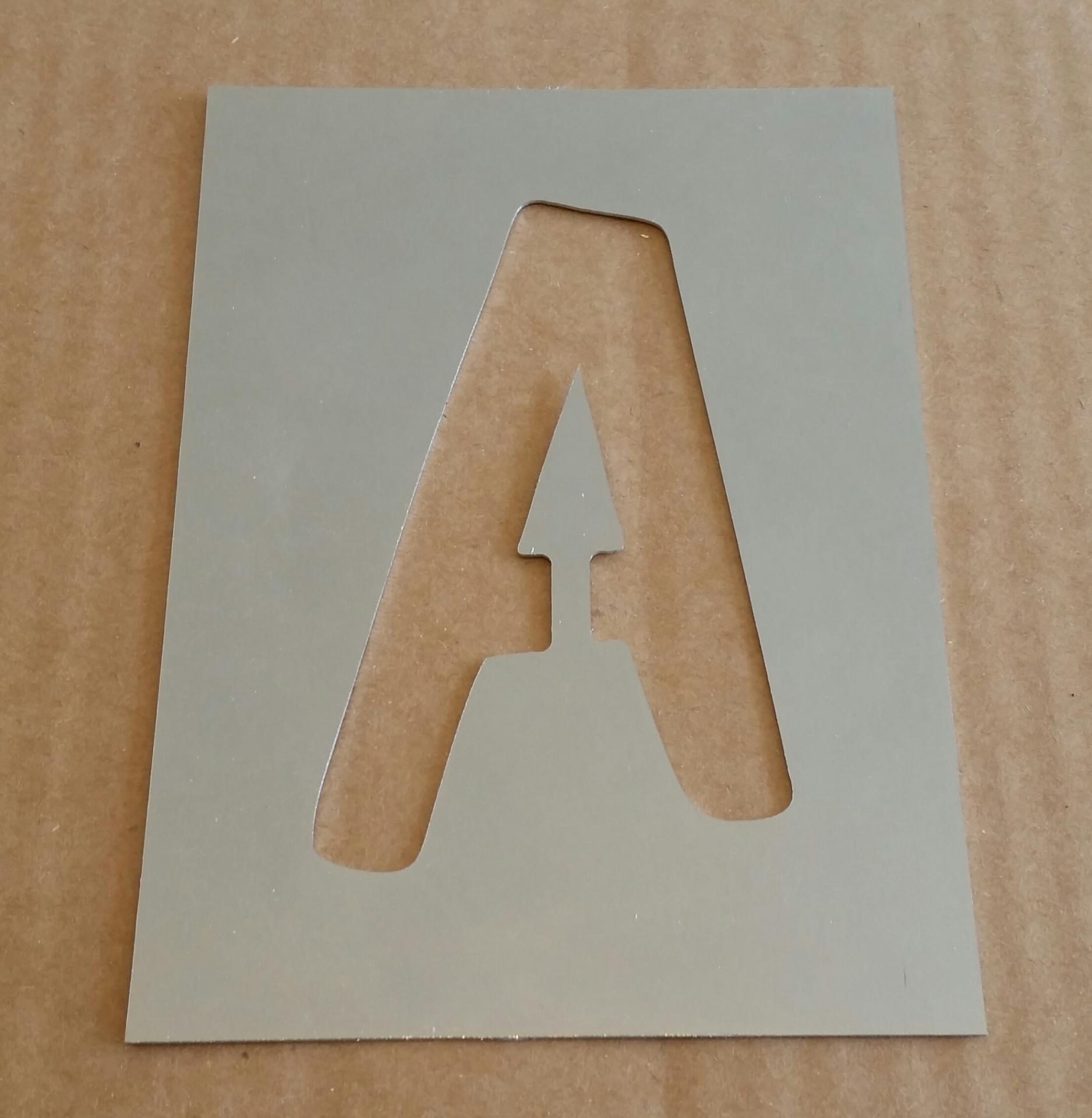 Pochoir lettre metal dom casual