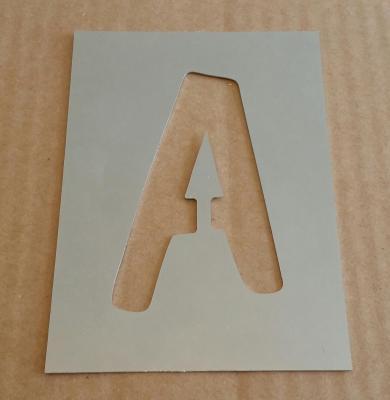 Pochoir lettre métal modèle DOM CASUAL