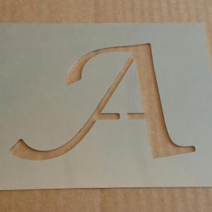 Pochoir lettre metal lucida calligraphy